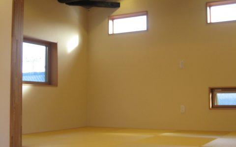 M様邸リフォーム増改工事 2階寝室小上がり畳部屋 古い梁を見せました!