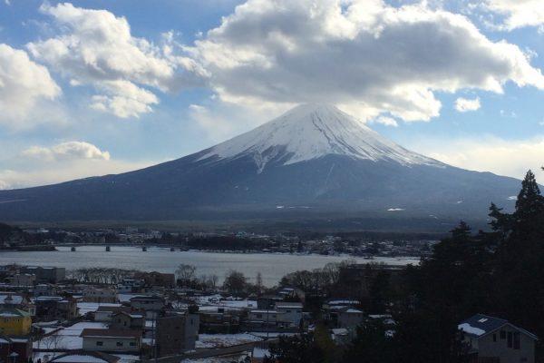 1月23日 山梨県河口湖から見た富士山